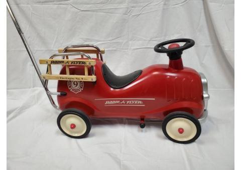 Radio Flyer Ride-on Fire Engine